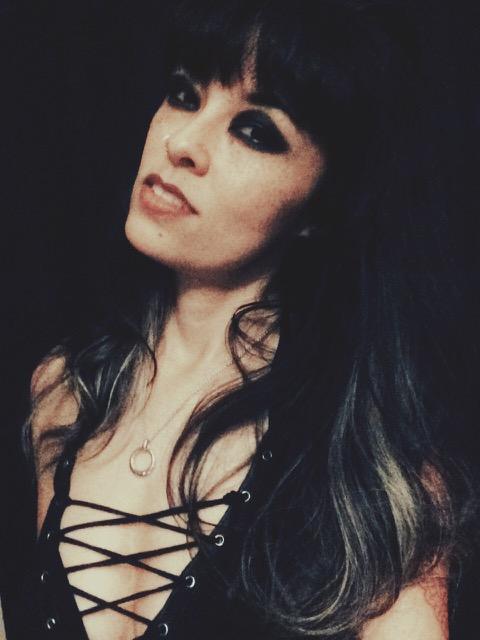 Rona Rougeheart